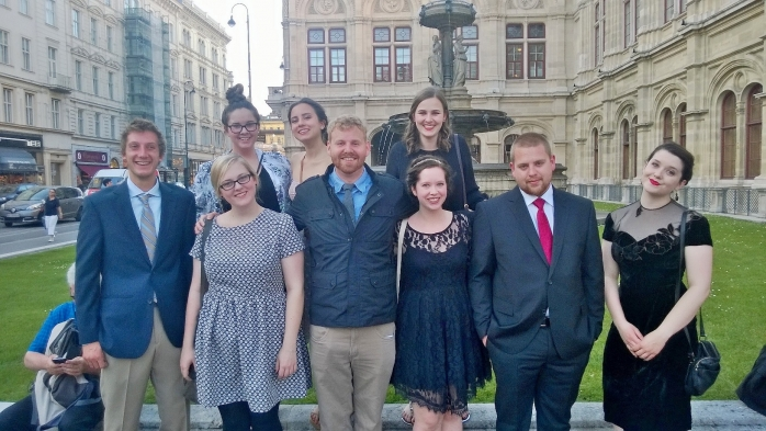 SiV students go to the opera